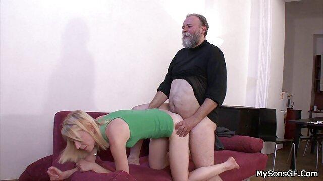 MILF آماتور بور Busty کاملاً مورد سکس خارجی سوپر توجه قرار می گیرد